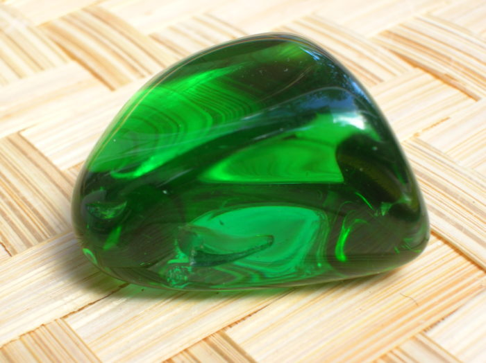 Зеленый обсидиан